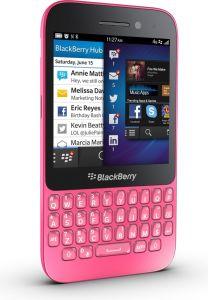 BlackBerry,  BlackBerry Q5 QWERTY, růžová